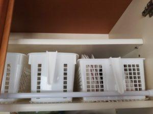 食器棚に突っ張り棒